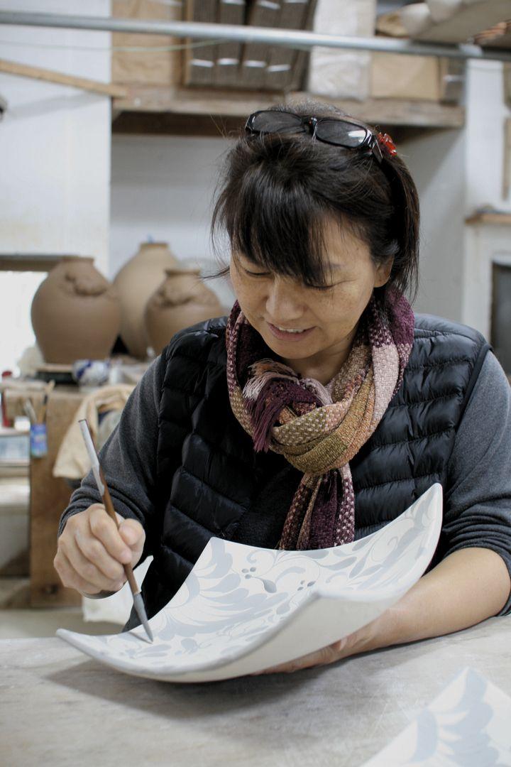 陶芸家・安里貴美枝さん