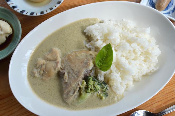 南インド風さばのカレー膳と、豆乳グリーンカレー