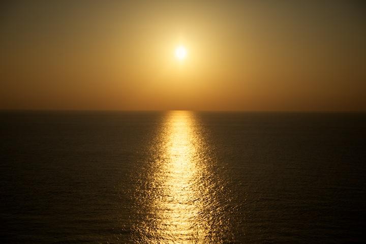 粟国島で見るサンセット