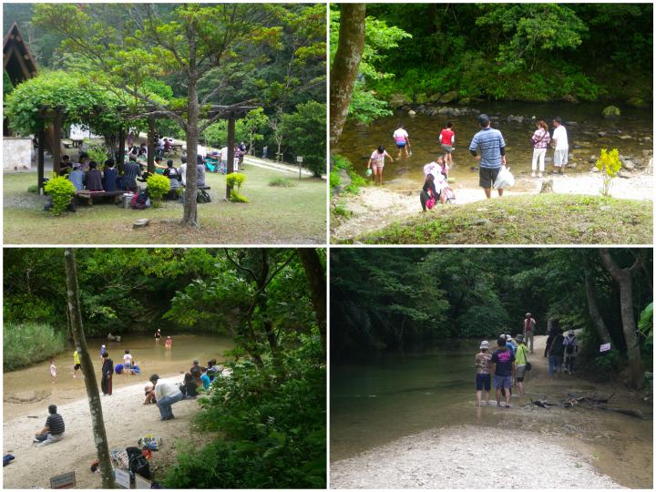 比地大滝こどもたちが水遊びをしている写真