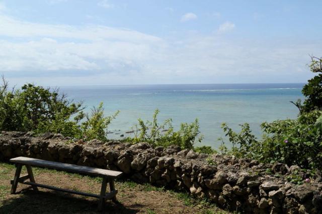 에메랄드 블루의 바다와  자연에 치유되는「사치하루의 정원」