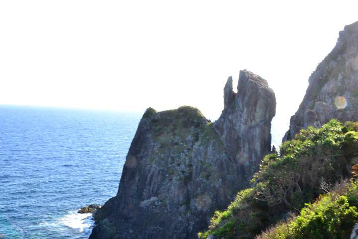 구메 섬, 역동적인 풍경을 바라보는 새의 입