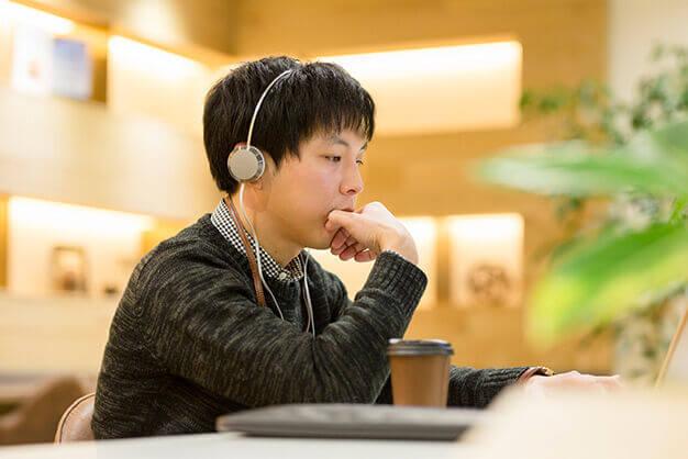 集中したいときにおすすめの音楽、NGな音楽とは?