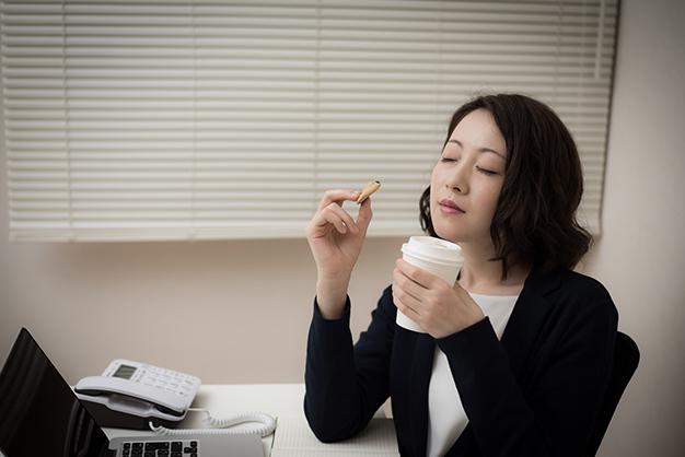 健康や人間関係に悪影響を与える、やめるべき習慣5つ
