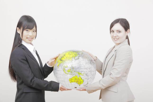 「外国人と初めて仕事…」そんな新社会人におすすめ! 超キホンのビジネス英語本5選