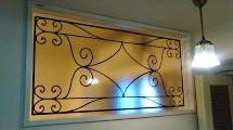 明かり取り窓に使用したステンドグラスの「ラインアート OG515」-2