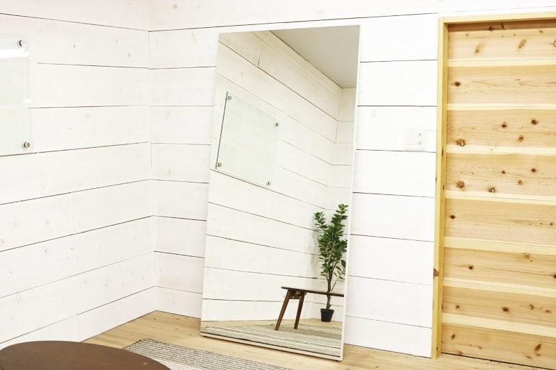 塗り壁の場合の鏡の取り付け方法-パネルミラー