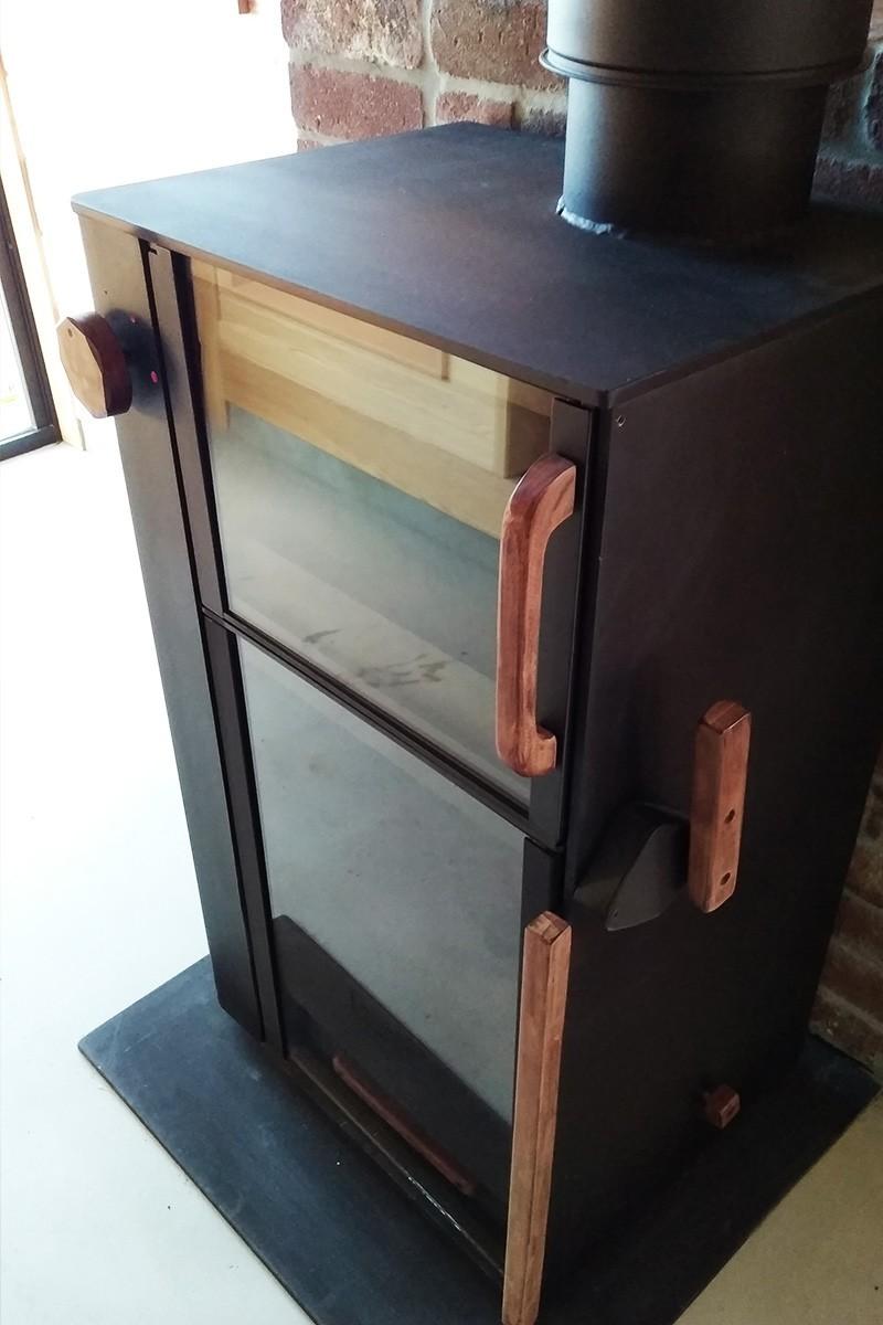 薪ストーブののぞき窓に耐熱ガラス「ファイアライト」を使用した事例-5