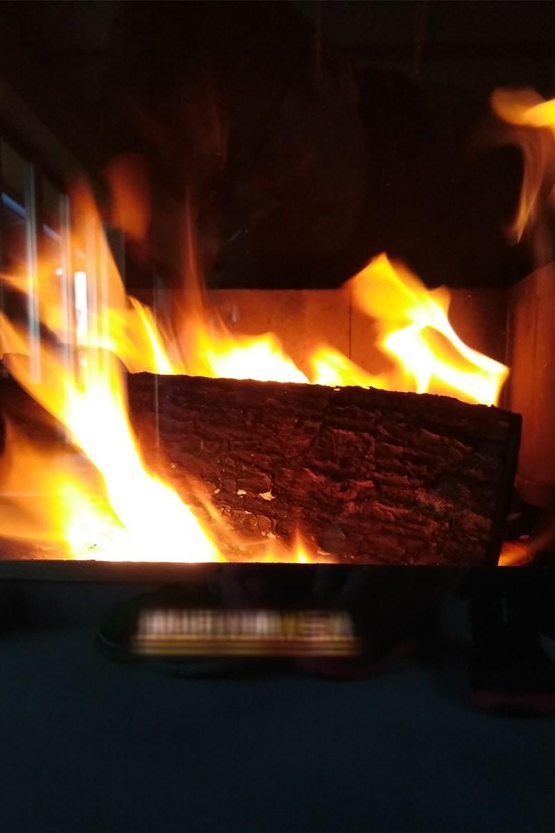 薪ストーブののぞき窓に耐熱ガラス「ファイアライト」を使用した事例-7