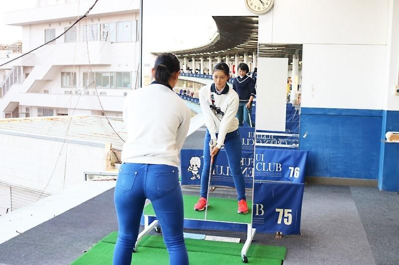 ゴルフ部のスイング練習にオススメの鏡-2