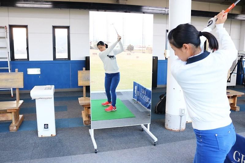 ゴルフ部のスイング練習にオススメの鏡-1