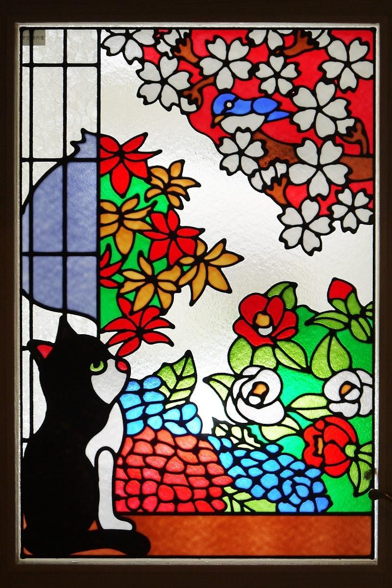 猫のステンドグラスを設置した室内窓-3