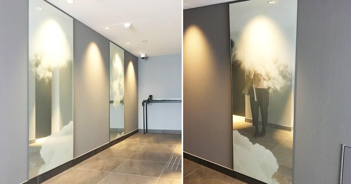 お客様事例 : ホテルの壁面装飾に雲を印刷した鏡を使用した事例(京都府京都市 Uデザイン事務所様)