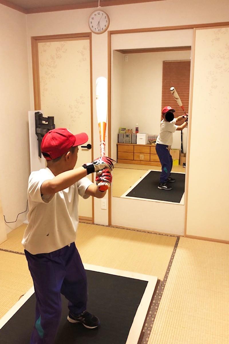 野球のフォームチェックに使用した鏡-1
