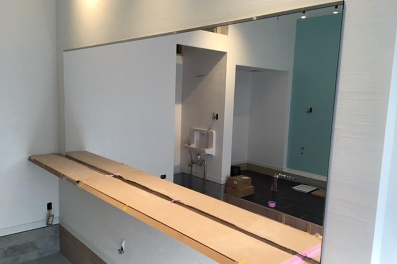 美容室・理容室の鏡に使用した「ブルーカットミラー(高透過ミラー)」-2