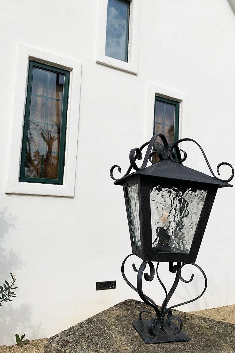 外灯に使用したデザインガラスの「モニュメンタルM」-2