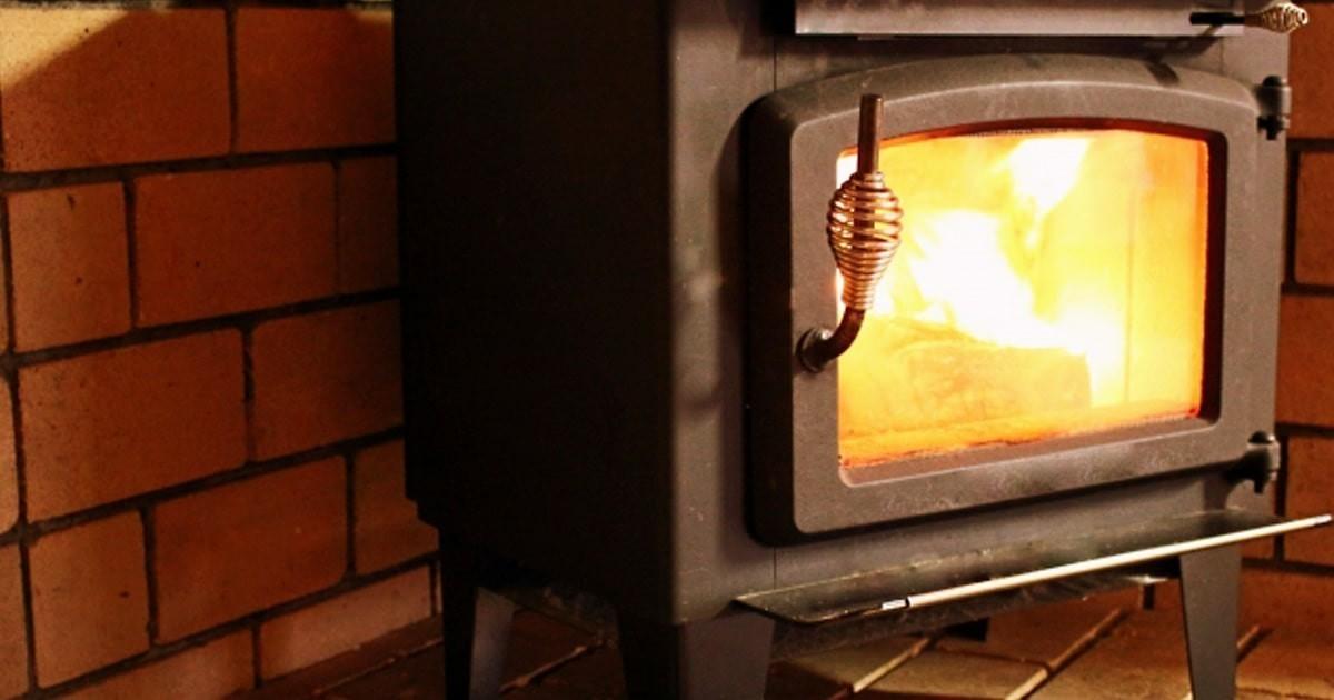 薪ストーブののぞき窓に耐熱ガラス「ファイアライト」を使用した事例5選