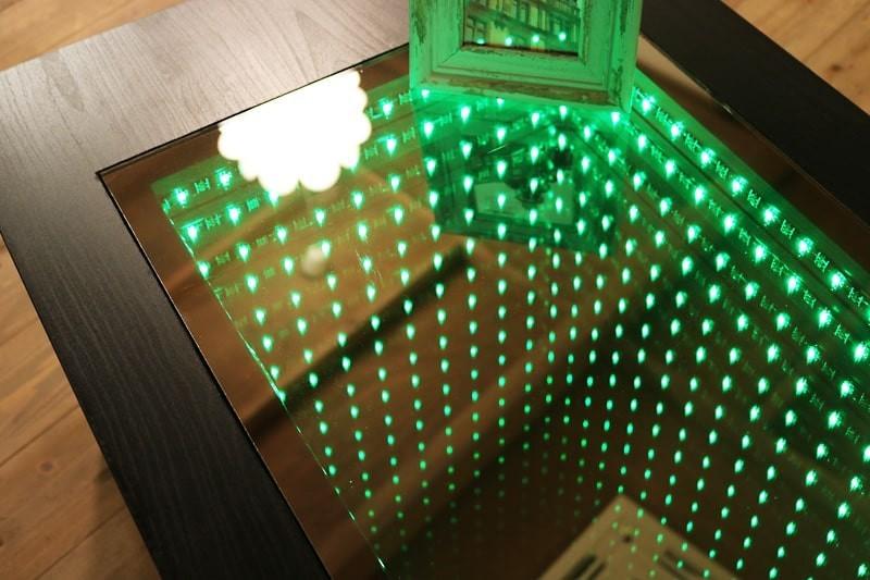 インフィニティミラーでテーブルを製作した事例(4)