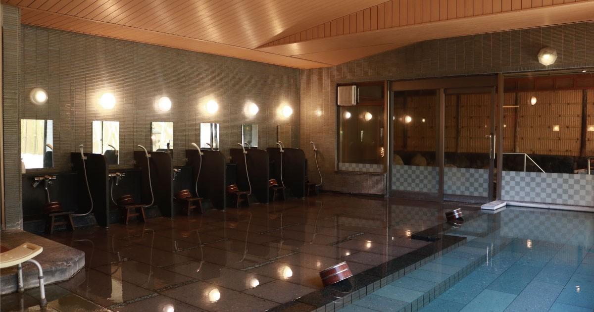 お客様事例 : 温泉旅館の大浴場に!湿気に強い「防湿ミラーHG」を使用した事例(株式会社つるや様)