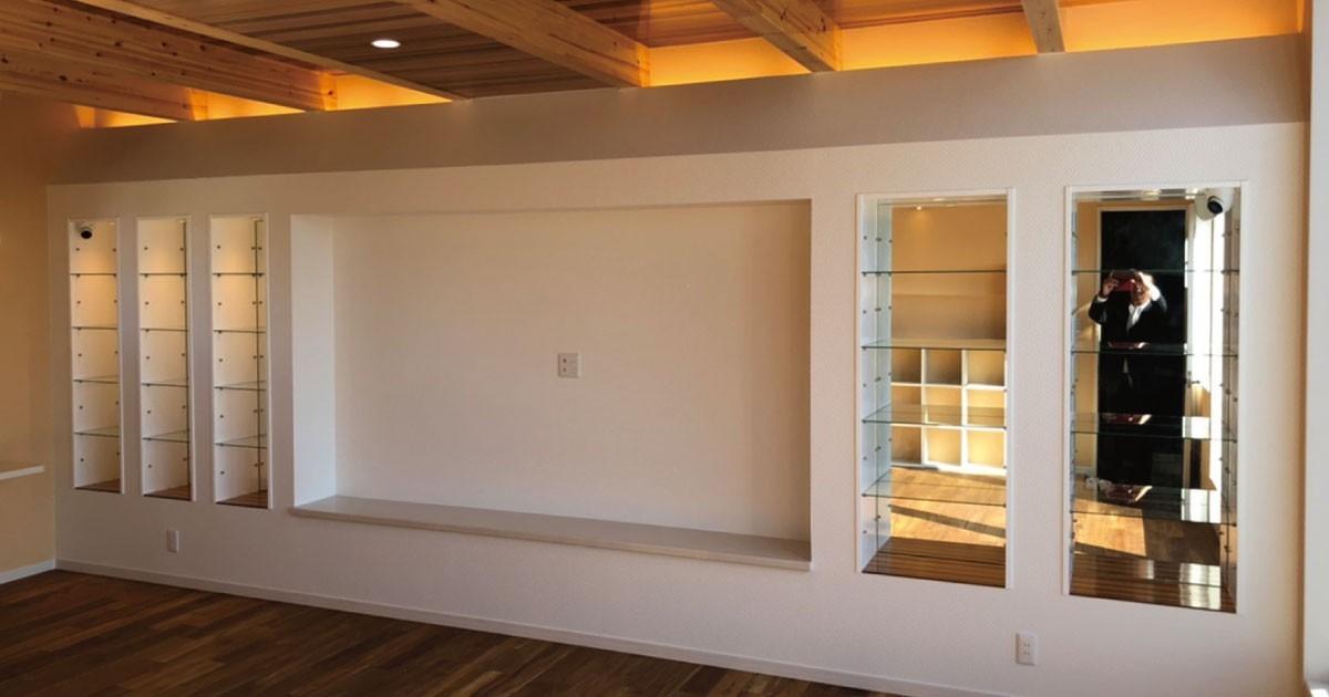 お客様事例 : 奥行きのある空間に!飾り棚のガラスに「フロートガラス」を使用した事例(神奈川県U様)