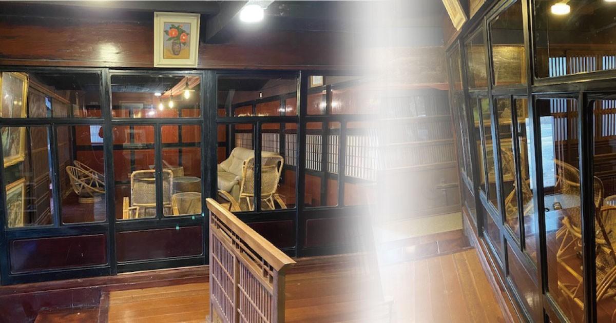 黒フレームがかっこいい!古民家民宿の扉に「フロートガラス」を使用した事例(石川県H様)のお写真
