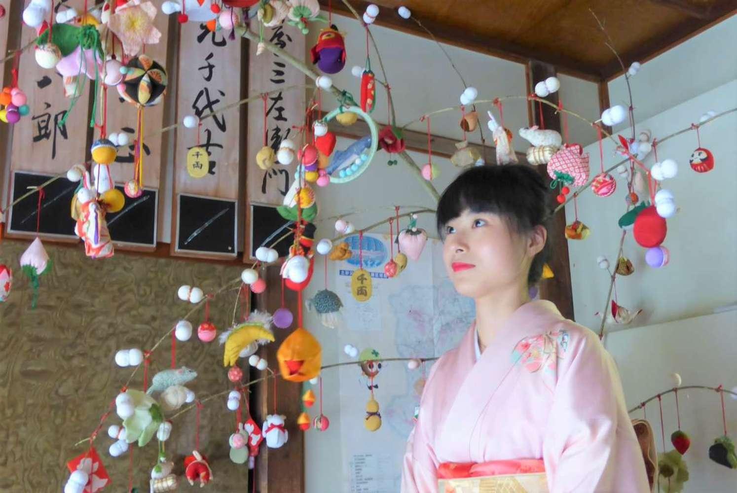 【外国人の静岡観光レポート】着物を着て芸者気分に♪ 伊豆長岡見番で芸者さんの稽古を見学
