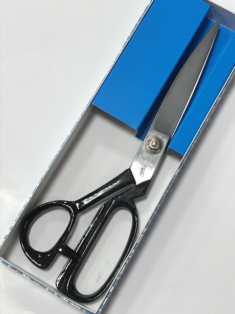 Shears (thick close-woven wool cloth scissors)