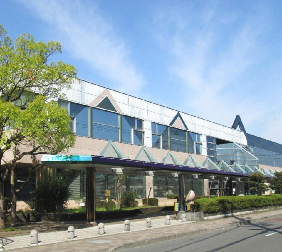 """Everybody comes"" Shizuoka-city community-based welfare symbiosis center"