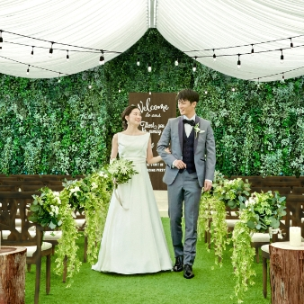 【ギフト券付】13大特典☆森の一軒家×贅沢ガーデンウェディング