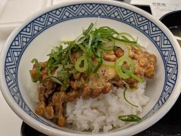 納豆牛小鉢定食3