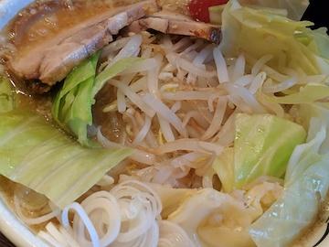 背脂醤油ど豚骨麺4