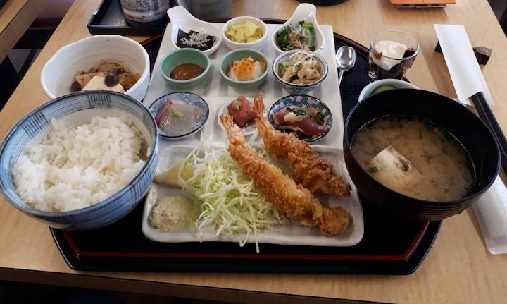 魚よしご膳1