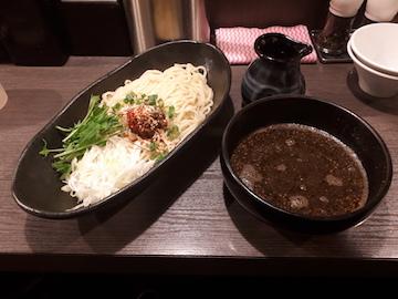黒胡麻坦々つけ麺1