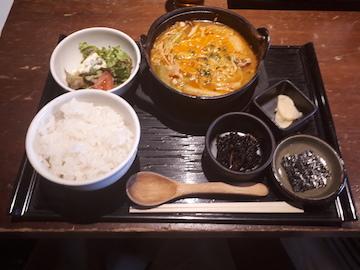 黒豚の坦々ラーメン入り鍋定食1