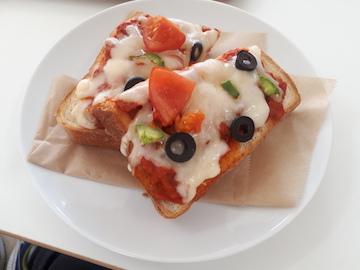 ピザトースト1