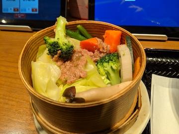 和ーニャカウダで食べる、野菜のせいろ蒸し2