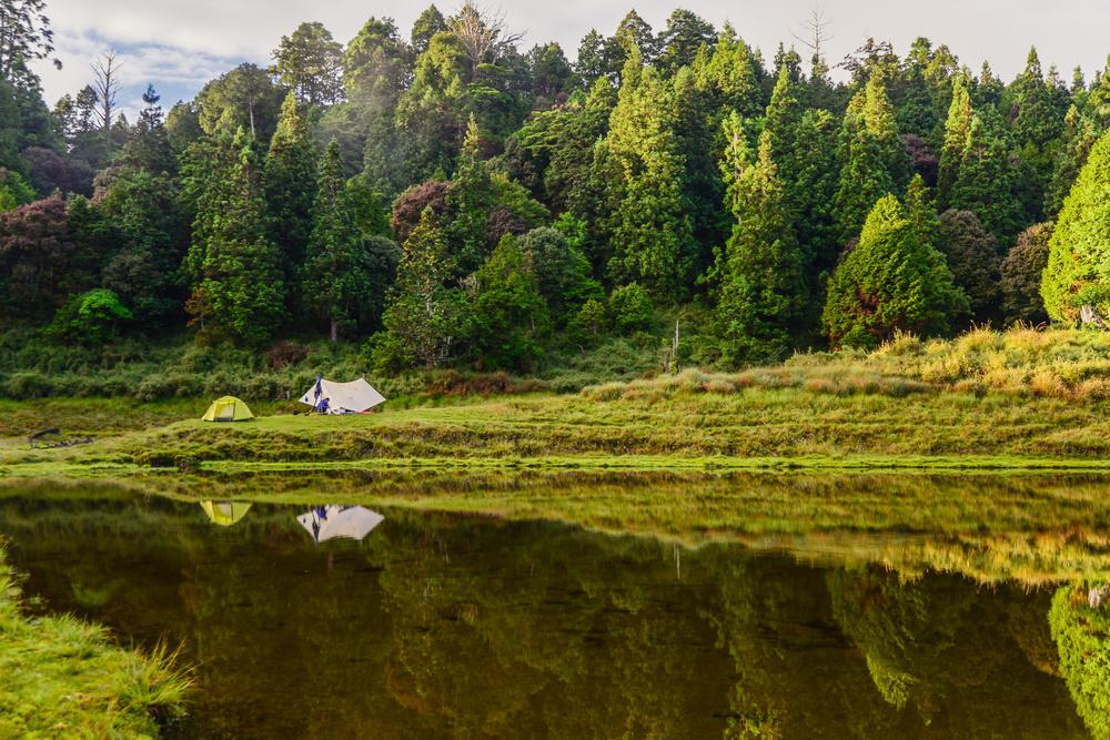 在加羅湖旁露營絕對是週末最好的一趟安排