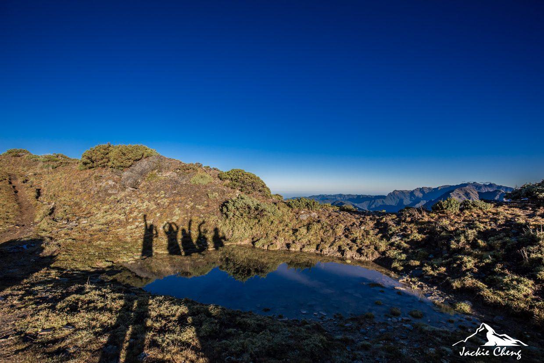 從大崩壁沿路攻頂的路上都是美景,連小水池隨手拍也超美。