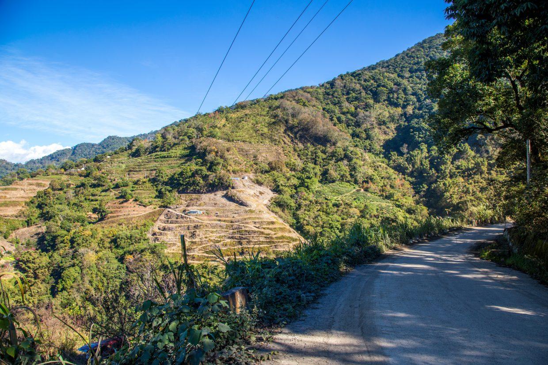 力行產業道路前段河谷與梯田美景