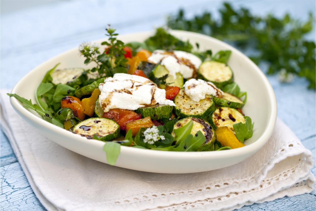 羊奶起司與沙拉,是希臘人的常見吃法。
