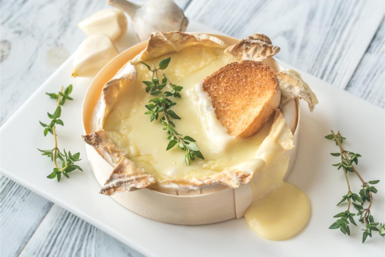美美的流汁Camembert Cheese。
