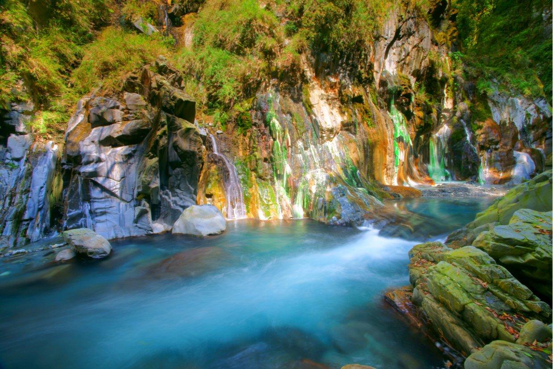 全台最美野溪溫泉「台東栗松溫泉」