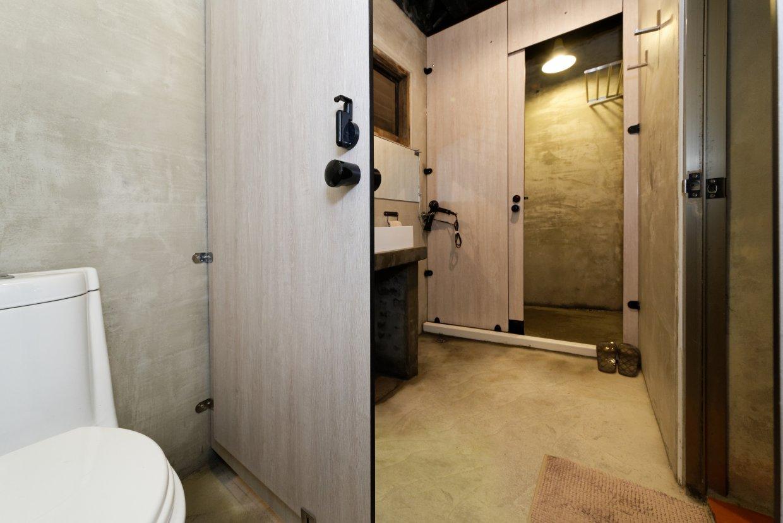 五人宿舍房共用衛浴
