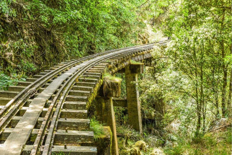 眠月線鐵軌橋