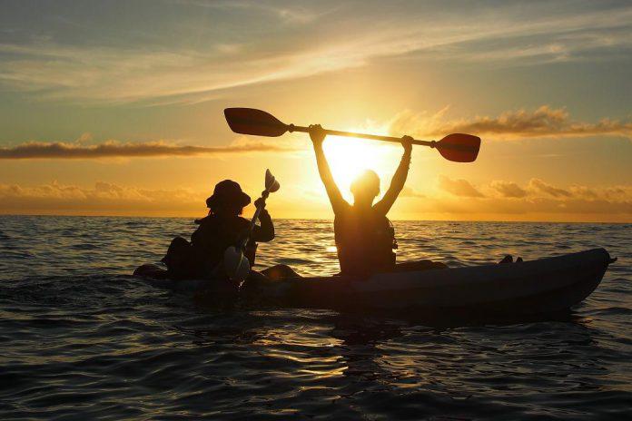青春夜衝新玩法-在水上看日出!5種水上看夜景日出景點推薦