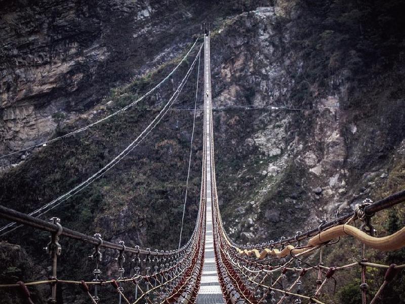 30樓高空中吊橋預計6月中旬開放!邀你走進南投飛瀑絕壁仙境
