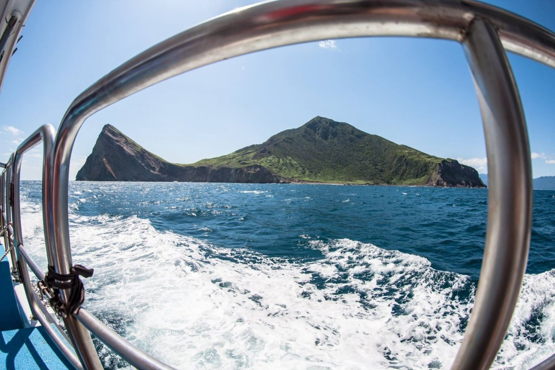 龜山島牛奶海一日遊 出發到宜蘭仙境龜山島享受無敵美景牛奶海~