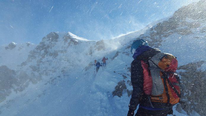 台灣高山雪季登山攻略| 台灣雪季登山路線&行前準備 冬季也能登上合歡、雪山