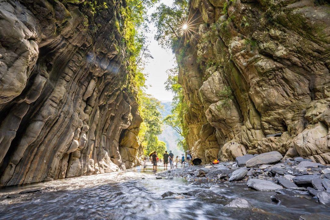 武界部落「摩摩納爾瀑布」請往這邊走|南投秘境武界部落半日遊