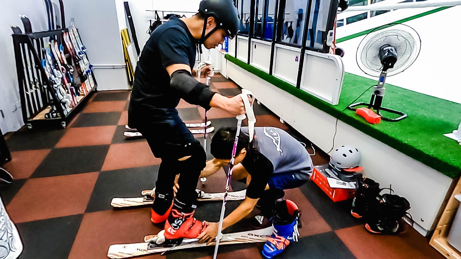 不出國滑雪照樣行!專業室內滑雪機台與場地 新手老手都照樣縱橫雪場